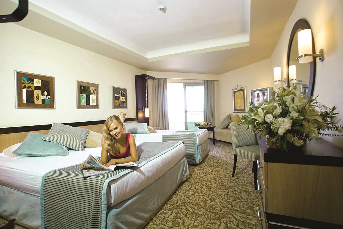 Limak Lara De Luxe Hotel Resor